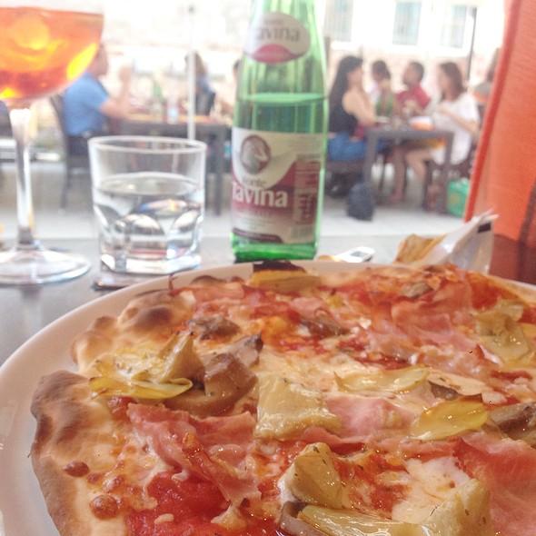 Capricciosa Pizza @ Ristorante Pizzeria Tintoretto