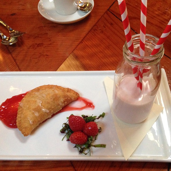 Strawberry Hand Pie @ Valette