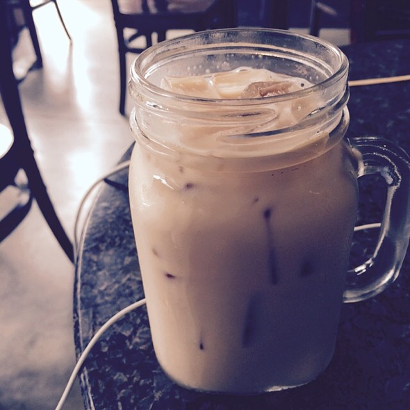 Iced Chai Latte @ Blue Fig