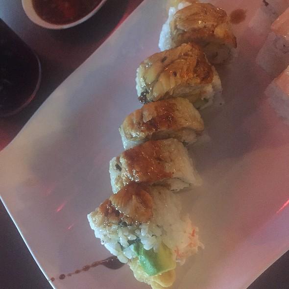Deluxe Tempura Shrimp Roll @ Crazy Sushi