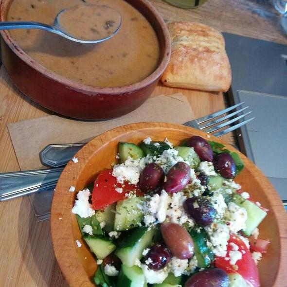 Soup & Salad @ Le Caravane Café