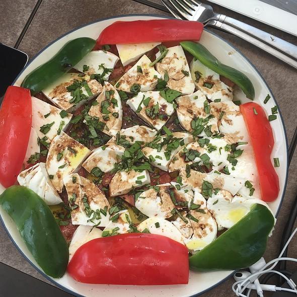 Capresse Salad @ Myplace