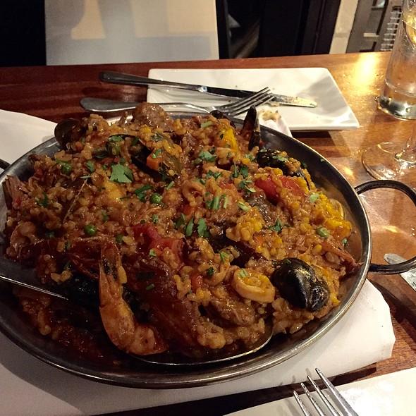 Meat & Seafood Paella @ Valanni