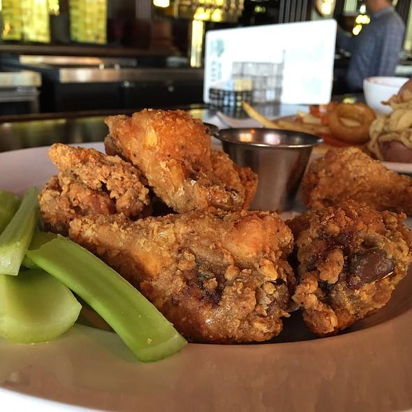 Wings @ Wally's American Pub N Grill