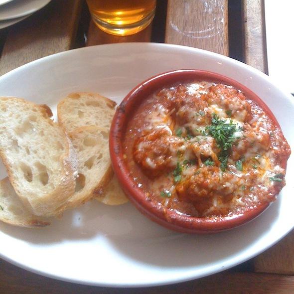 Albondigas Con Salsa Tomate @ Pintxo