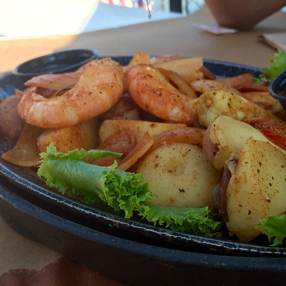 Jumbo Shrimp Platter @ Cantler's Riverside Inn