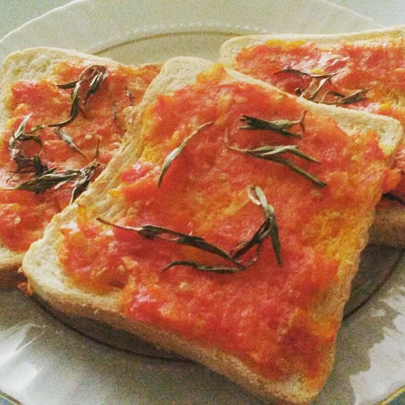 Bread Garlic&Tomatos @ At Esin's Home