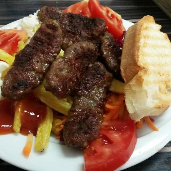 Kofte - Turkish Meatballs @ Sultanahmet Köfte Time