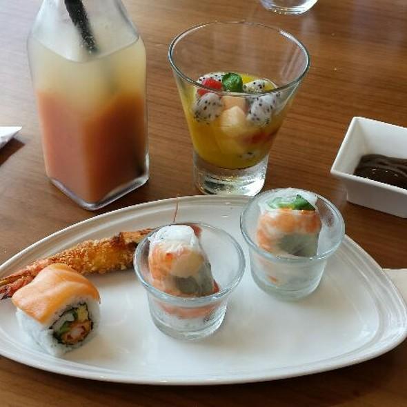 Pink Snack @ Executive Lounge Pullman Saigon Center