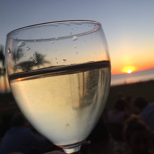 Pinot Gris @ Sunset Bar