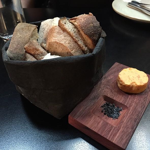 Bread, Tomato Butter, Onion Ash Salt