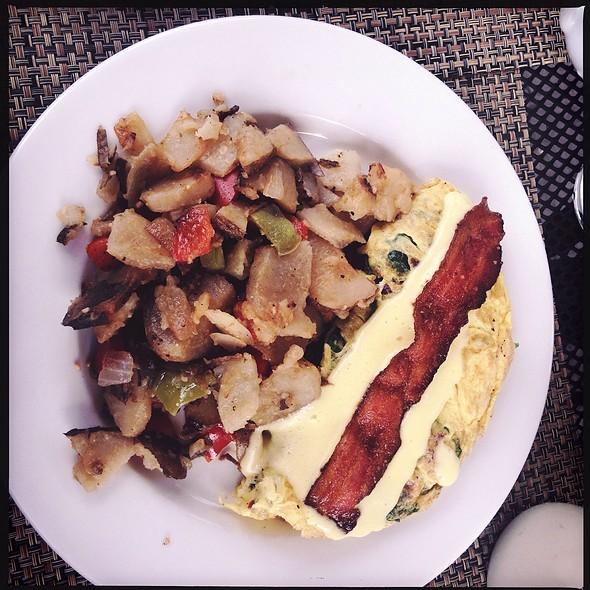 Spinach Omelette With Bacon & Hollandaise - Marston's, Santa Clarita, CA