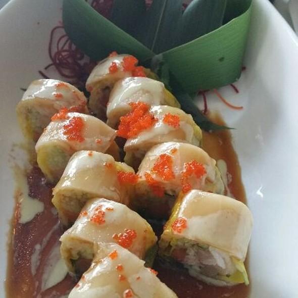 White Diamond @ Imperial Koi Asian Bistro & Sushi Bar