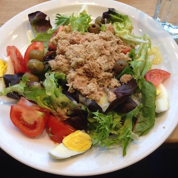 Niçoise Tuna Salad