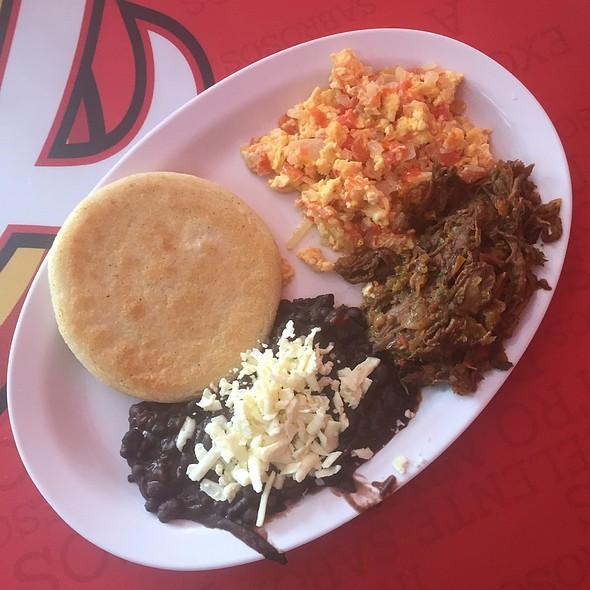 Desayuno Criollo Venezolano @ El Gran Rincon Venezolano