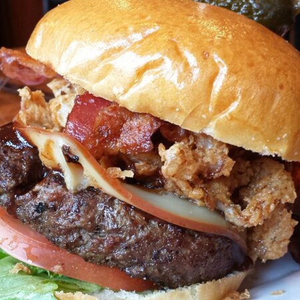 Smokehouse Burger @ Capital Ale House