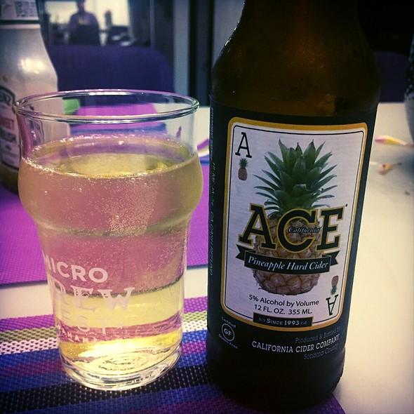 ACE Pineapple Hard Cider @ Felipe Motta