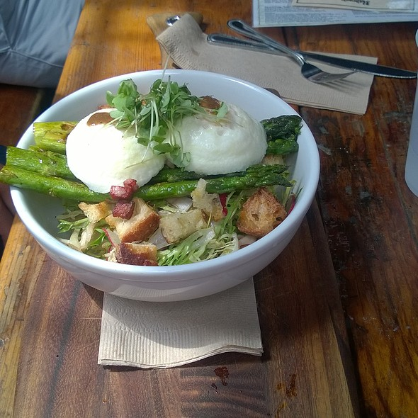 Poached Eggs and Roasted Asparagus @ Radegast Hall & Beer Garden