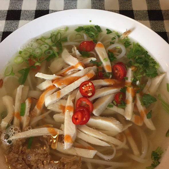 Chicken Noodle Soup @ Oriental Taste