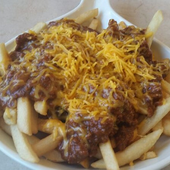 Chili Cheese Fries @ Farmer Boys