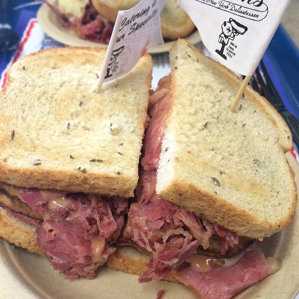 Corned Beef Sandwich @ Attman's Delicatessen