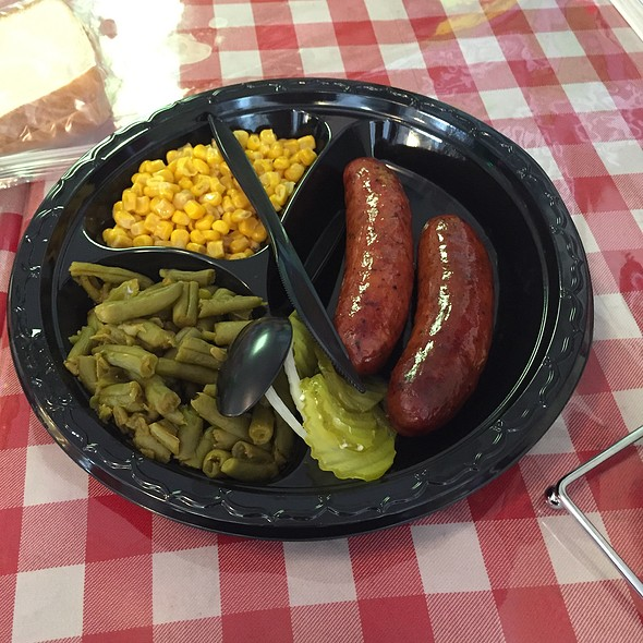 Sausage With Green Beans And Corn @ Ed's Smoke-N-Q