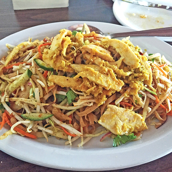 Mandalay Noodle Salad @ Golden Pagoda Burmese Asian Restaurant