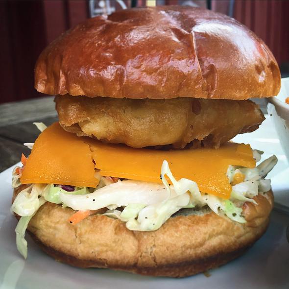 Beer Battered Fish Burger @ Hudson's Canadian Taphouse
