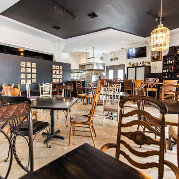 The Living Room Bar Miami: CRUST Restaurant - Miami, FL