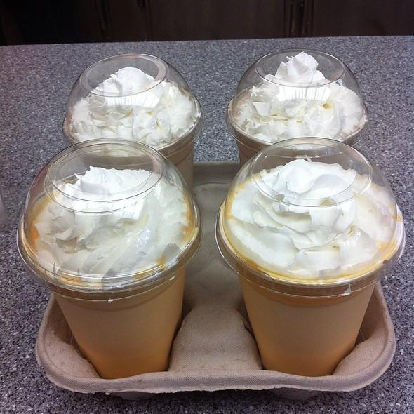 Orange Cream Milkshake @ Hardee's / Red Burrito