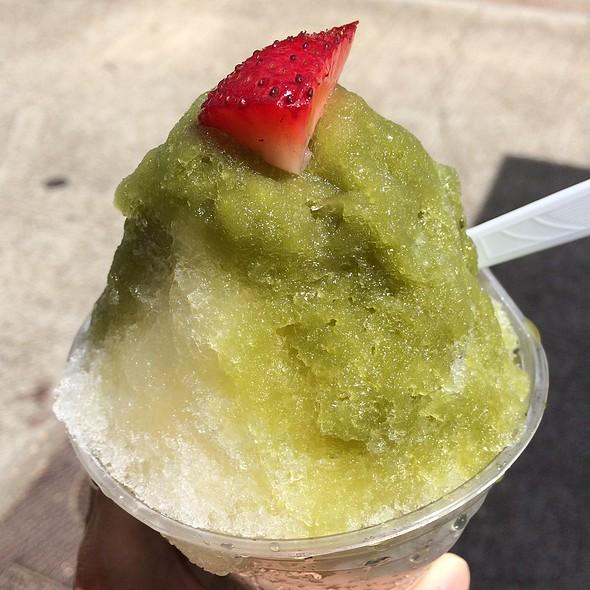 Green Tea & Yuzu Shaved Ice @ Monsarrat Ave Shave Ice