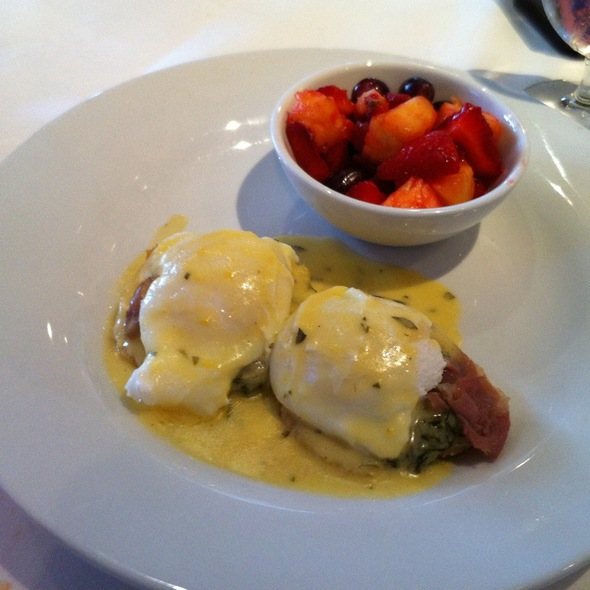 Eggs Benedict @ F Scotts