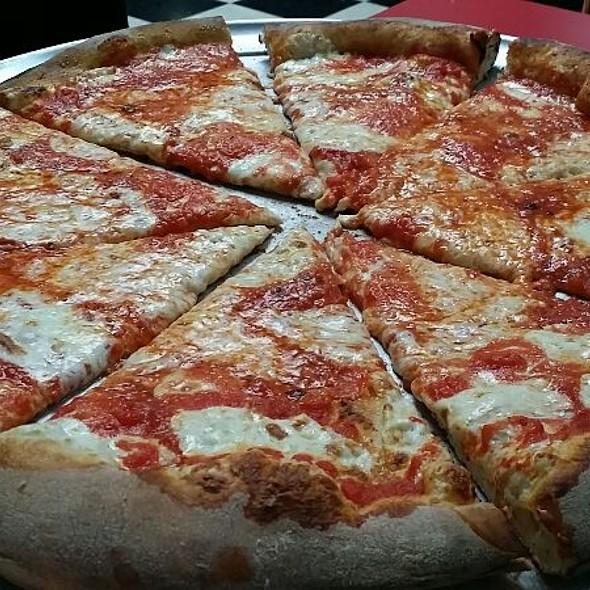 Margherita Pizza @ Totonno Pizzeria Napolitano