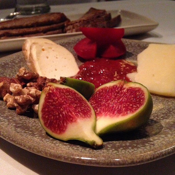 Figs & Cheese - Picco Restaurant, Larkspur, CA