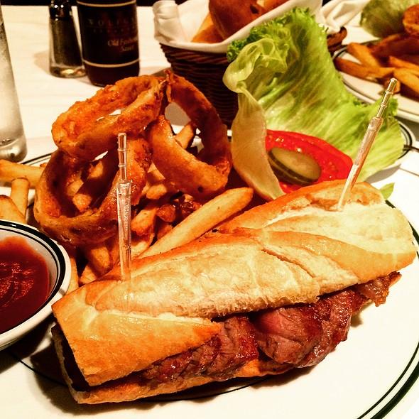 Steak Sandwich - ウルフギャング・ステーキハウス 丸の内店, 千代田区, 東京都