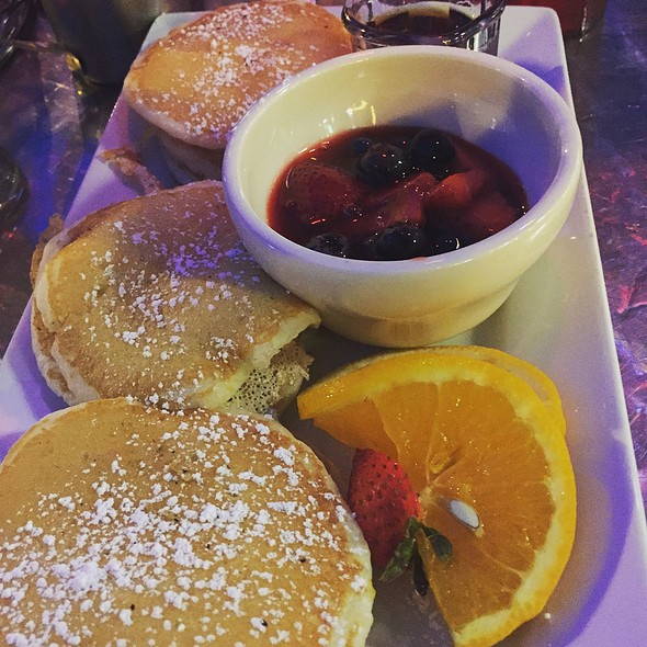 Berry Pancake - Big Daddy's – Upper West Side, New York, NY
