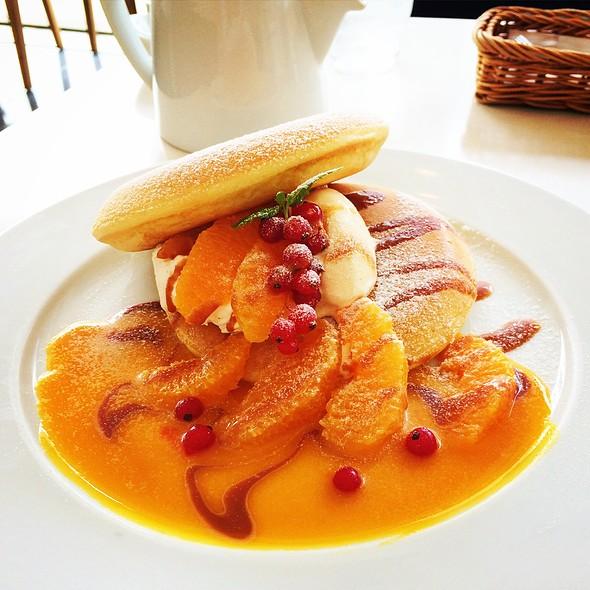 Orange And Caramel Pancake @ cafe naturel