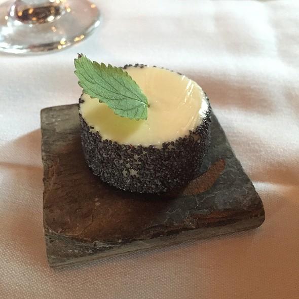 Butter - Restaurant Gwendolyn, San Antonio, TX