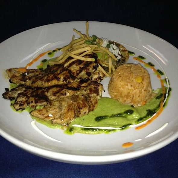 pollo poblano @ Los Sarapes At Horsham Mexican