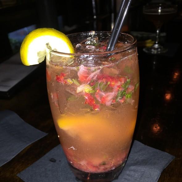 Strawberry Basil Mojito @ Martini Pete's