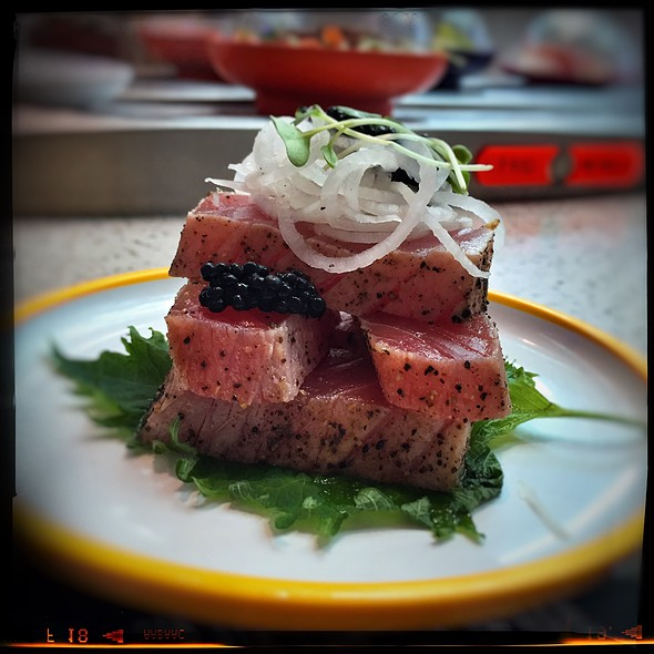 Seared Tuna & Caviar @ Yo! Sushi Gatwick North Terminal Departure Lounge