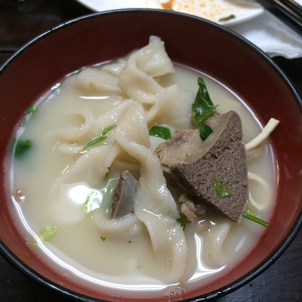 Hand Stretched Noodles @ Xi'an Cuisine