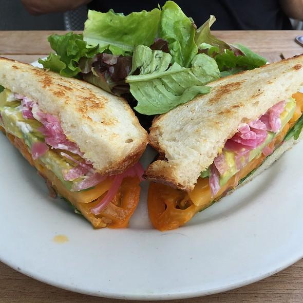 Heirloom Tomato & Avocado Sandwich