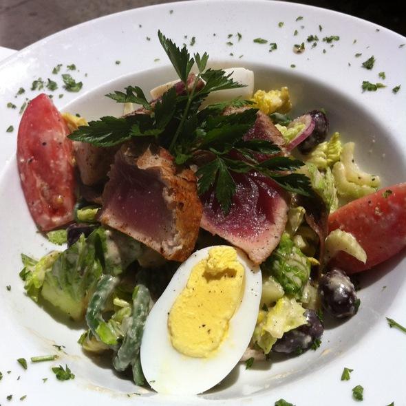 Salade Nicoise @ La Félix