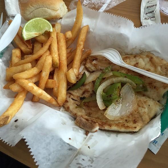 Grilled Mahi Mahi @ Los Tortugos