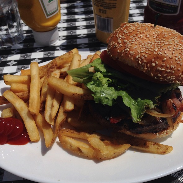 Sam's Burger - Sam's Anchor Cafe, Tiburon, CA