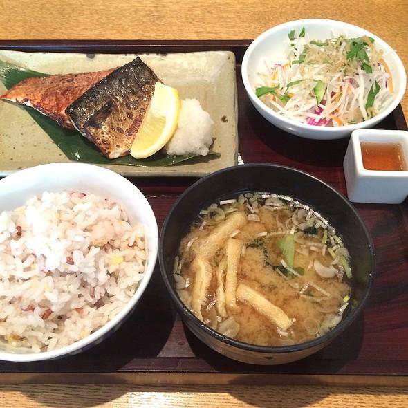 2 Kinds Of Fish Teishoku @ 寅福 玉川高島屋S.C店 (Torafuku)