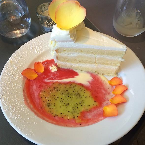 Vallarta Cake