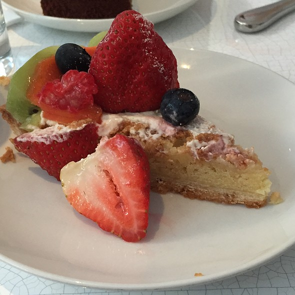 Tarte Au Fruit @ Lady M