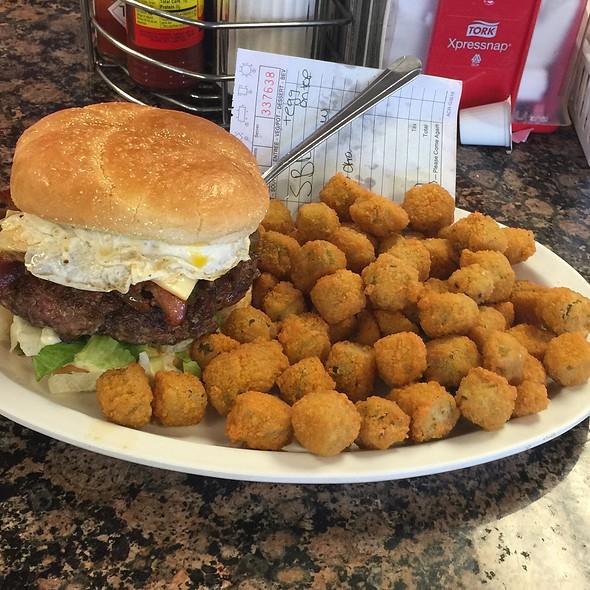 Bacon Cheeseburger @ Kelly's Big Burger